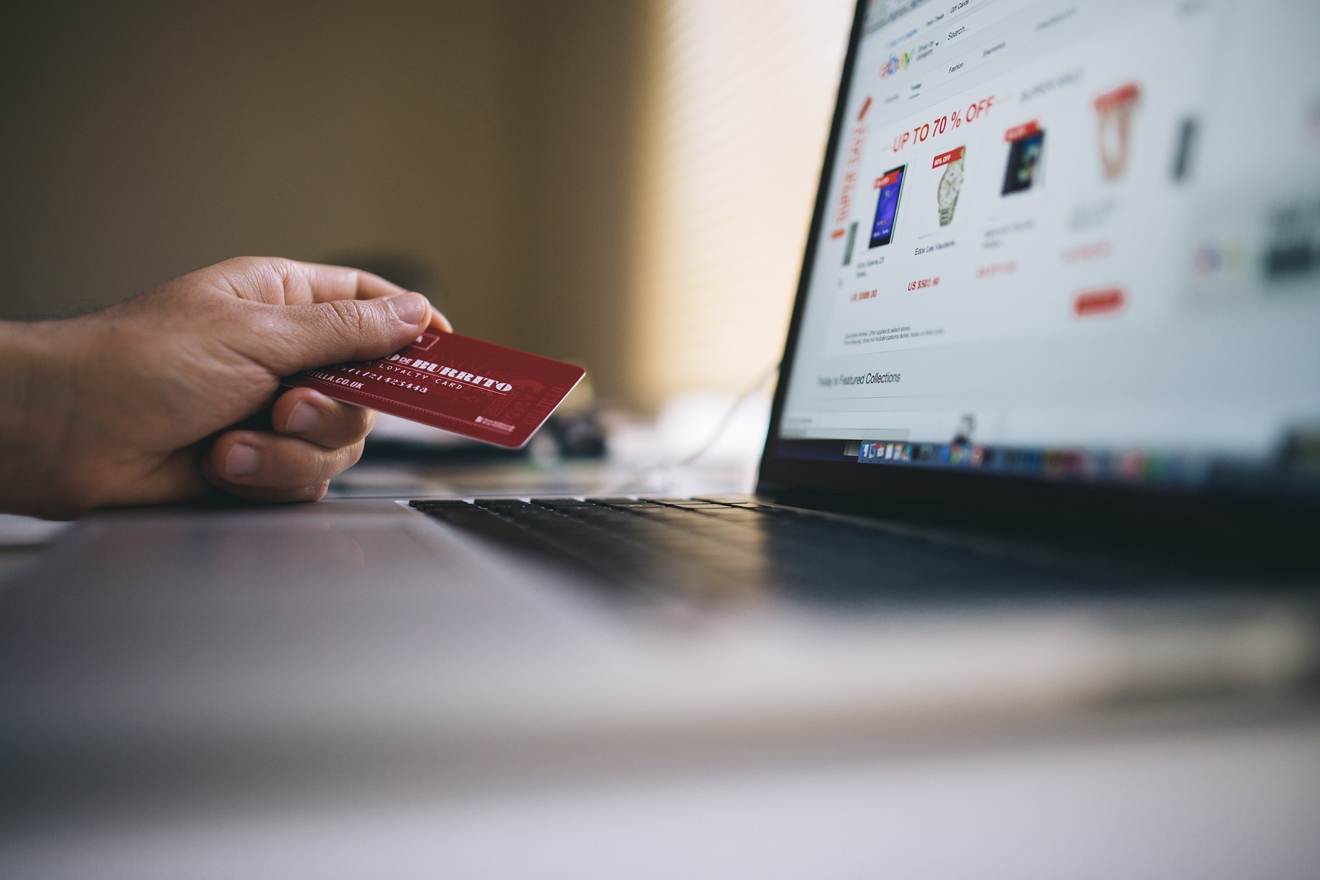 """The Future of E-Commerce is """"Shoppertainment"""""""
